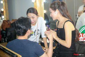Sara Lưu ân cần chăm sóc Dương Khắc Linh tại hậu trường The Voice Kids: Tình như 'vợ chồng son' là đây!