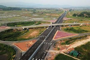 Việt Nam tự xây đường cao tốc, tại sao không?
