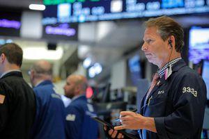 Nhà đầu tư 'chùn tay', chứng khoán Mỹ đuối sức