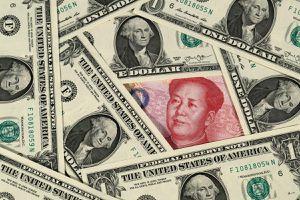 Trung Quốc cấm dân mua USD vì kinh tế lâm nguy