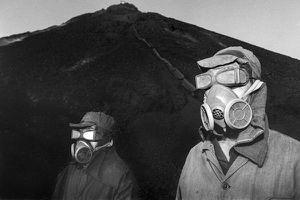 Rùng mình hành trình mưu sinh của công nhân mỏ Trung Quốc