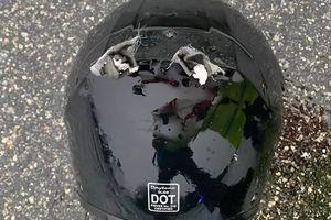 Đang đi xe trên đường, tài xế môtô bị sét đánh tử vong tại chỗ