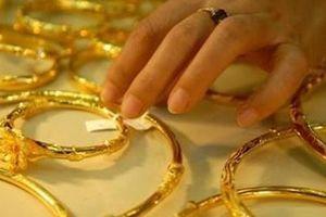 Đối tượng chuyên lừa đảo bằng vàng giả bị khởi tố