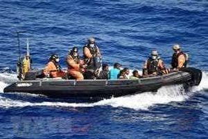 Italy thông qua sắc lệnh khẩn cấp hạn chế tàu thuyền đi vào lãnh hải