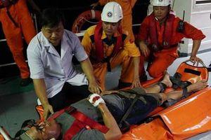 Cấp cứu thuyền viên tàu nước ngoài bị nạn trên biển