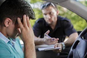 Lái xe hành động 'lạ' khi gặp cảnh sát... kết đắng ngắt