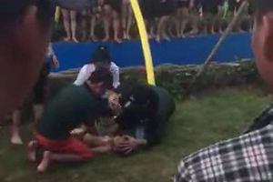 Bé trai đuối nước tại công viên nước Thanh Hà đã tử vong