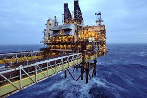 Sụt giảm 4%, giá dầu Mỹ về mốc 51USD/thùng