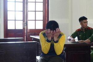 Nhận án tử, người đàn ông 37 tuổi có 9 đứa con bật khóc giữa tòa