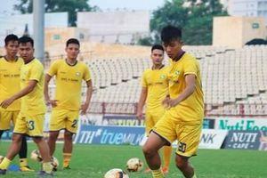 Vừa hồi phục chưa kịp ra sân lại bị chấn thương, Phan Văn Đức lỡ trận với HAGL