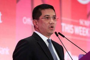 Bộ trưởng Malaysia phủ nhận xuất hiện trong clip nóng đồng tính