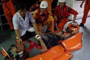 Cứu thuyền viên người nước ngoài bị tai nạn trên biển