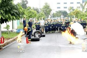 Trại hè lính cứu hỏa - Vui học về an toàn phòng cháy chữa cháy