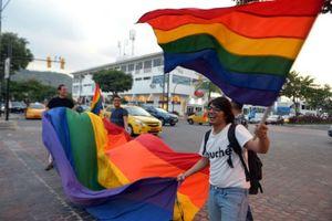 Ecuador chấp thuận hôn nhân đồng giới