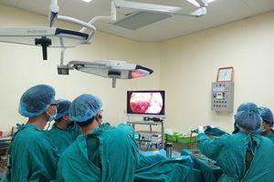 Lấy khối u chiếm hết lòng thực quản hiếm gặp cho nam bệnh nhân 66 tuổi