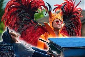 Câu chuyện đằng sau phục trang 'lòe loẹt' của Elton John trong 'Rocketman'