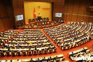 Quốc hội có bước tiến quan trọng, hết cảnh bê chục kg tài liệu về nghiên cứu