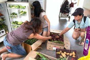 Các đội quân 'giải cứu' thức ăn thừa ở Singapore