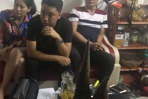 Khởi tố đối tượng mua bán sừng tê giác tại Quảng Ninh