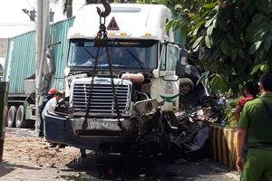 Tạm giữ tài xế container lấn làn tông ô-tô khiến năm người tử vong