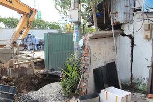 CLIP: Sụp lún nghiêm trọng trên đường Ba Đình, quận 8, TP HCM