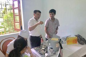 Vượt núi đi tiêm chủng ở Hà Giang