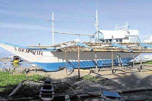 Ngư dân đắm tàu Philippines tố tàu Trung Quốc cố ý đâm chìm