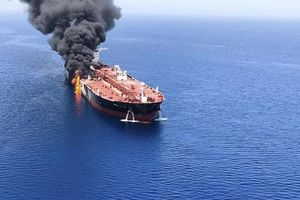 Giá dầu đồng loạt tăng mạnh phiên cuối tuần