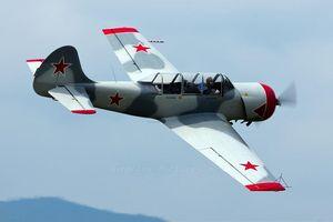 Vì sao các phi công Su phải huấn luyện trên máy bay Yak-52?
