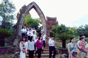 Ninh Thuận đẩy mạnh hợp tác, phát triển năng lượng, du lịch với thành phố Hà Nội