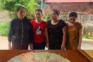Rủ nhau về nhà mẹ đẻ đánh bạc, 4 nữ quái bị bắt quả tang