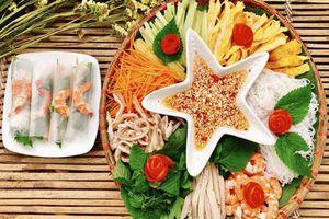 Bữa ăn vừa ngon lại đẹp như nhà hàng mà không béo thì thử ngay món cuốn này bạn nhé!