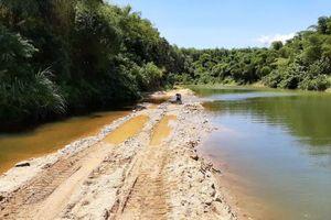 Thị xã Hương Trà – Thừa Thiên Huế: Dấu hiệu vận chuyển cát lậu trên một tuyến đường mở trái phép (!?)