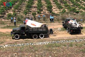 Người dân tham gia cứu nạn vụ máy bay quân sự bị rơi ở Khánh Hòa