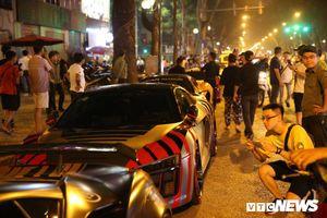 Ngắm dàn siêu xe hàng chục tỷ đổ bộ đường phố Hà Nội