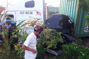 Container lấn làn tông ô tô con khiến 5 người chết: Cả gia đình gặp nạn khi đi khám bệnh ở TP.HCM