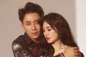 Trấn Thành khiến Hari Won 'cười như điên' vì ôm vợ ngủ nhưng lại có hành động này