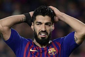 Suarez muốn trốn khỏi thế giới sau cú sốc trước Liverpool