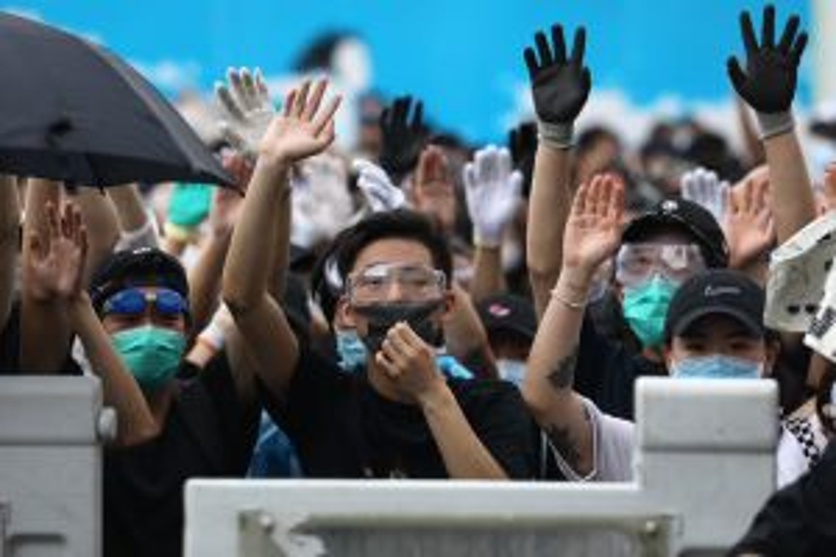 Sau biểu tình, chính quyền Hong Kong hoãn vô thời hạn dự luật dẫn độ