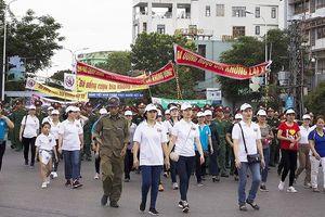 Hơn 1.500 người đi bộ kêu gọi mọi người 'Không lái xe khi đã uống rượu bia'