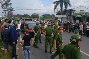Bắt khẩn cấp kẻ 'gọi' nhóm giang hồ vây xe công an ở Đồng Nai