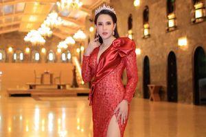 Hoa hậu Minh Thảo khoe sắc quyến rũ sau một năm đăng quang