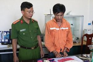 Bắt trùm ma túy mặc áo ngành Điện lực vận chuyển 'hàng'
