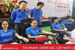 250 đoàn viên cơ quan & doanh nghiệp Hà Tĩnh hiến máu tình nguyện