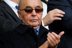 Tỷ phú sở hữu CLB Tottenham, hứa sang Việt Nam thi đấu giàu cỡ nào?
