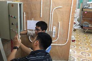 Thí sinh Nguyễn Văn Minh - nghề lắp đặt điện: Hăng say tập luyện bước vào sân chơi Thế giới
