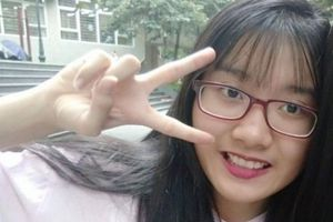 Nữ Thủ khoa lớp 10 Hà Nội tiết lộ cách học đặc biệt: Nghe nhiều hơn ghi chép