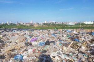 Ô nhiễm nghiêm trọng vì rác tồn đọng