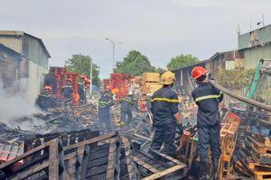 Quảng Nam: Cháy lớn tại xưởng pallet