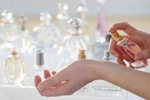 Sử dụng nước hoa như thế nào trong mùa hè để lưu hương giữ mùi lâu?
